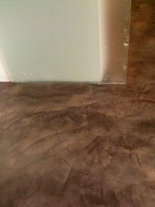 resina pavimento su piastrelle